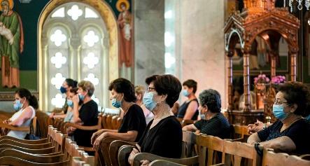 masked_in_church